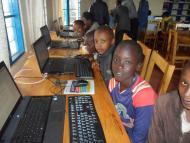 Formation 3i des enfants à  Mwaro (septembre 2012) ©IFADEM